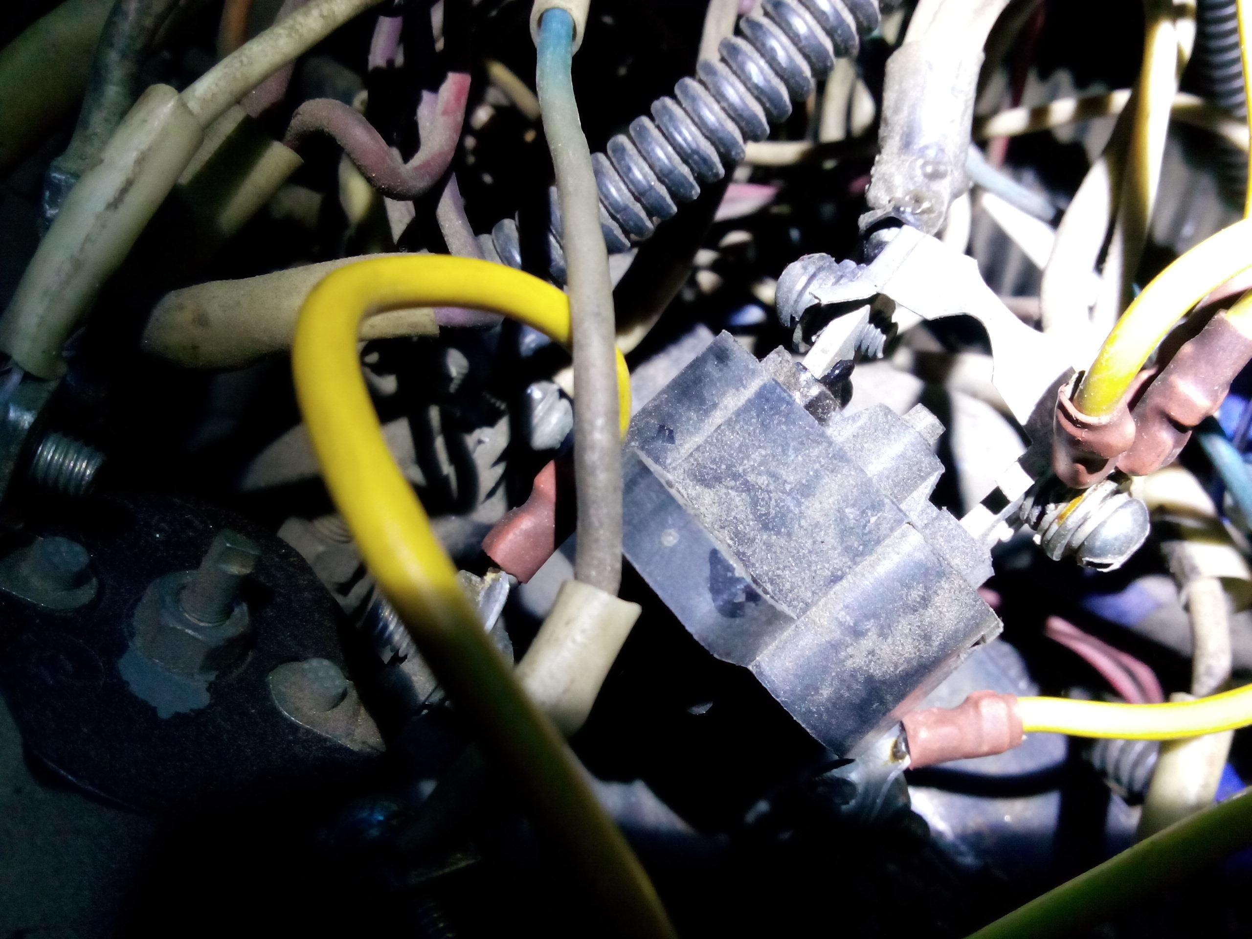 схема электрооборудования автомобиля зил ац-40-137а